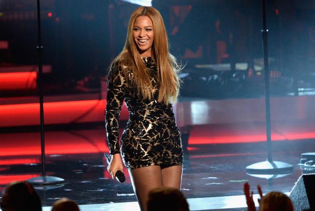 singer, songwriter, performer, artist, album, super bowl, tour, billboard, awards